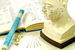 Akne mittels Akupunktur behandeln